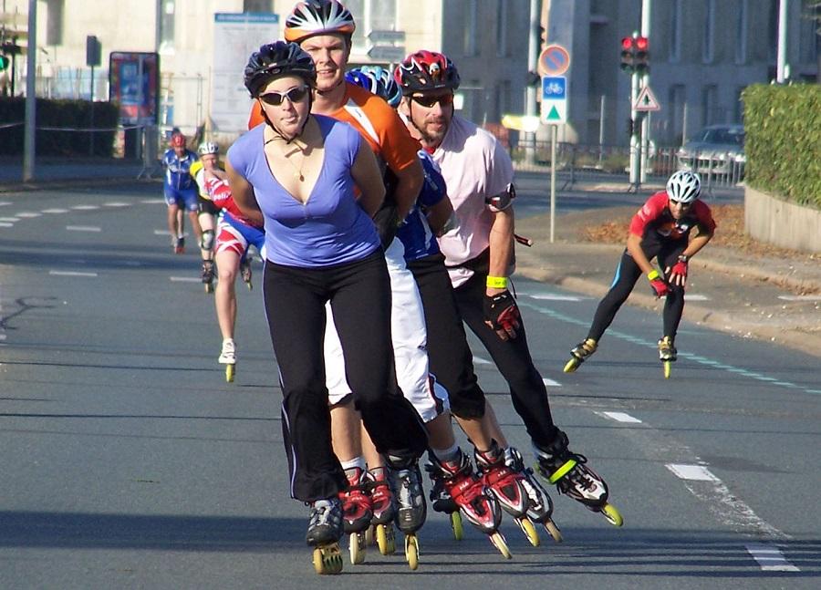Tonifica tus piernas con el patinaje